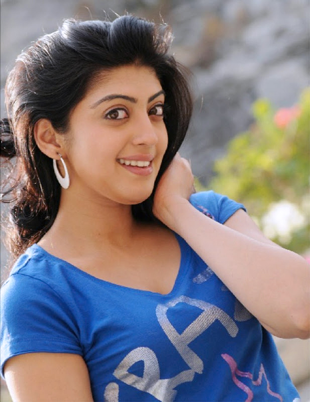 38+ Lovely Photos of Pranitha Subhash 111