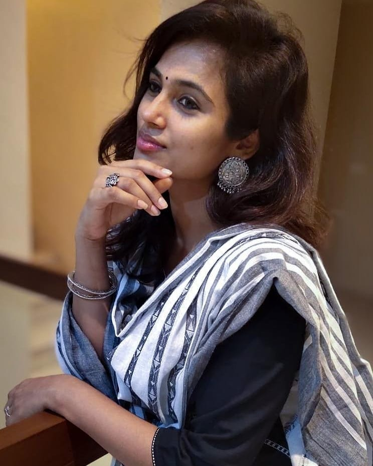 59+ Gorgeous Photos of Ramya Pandiyan 126
