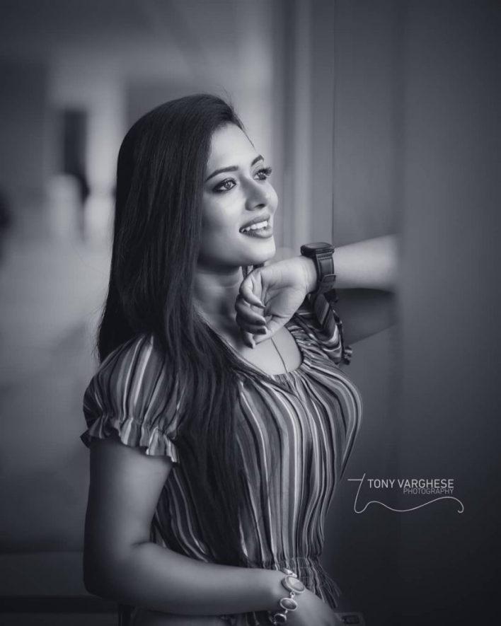 46+ Gorgeous Photos of Remya panicker 14