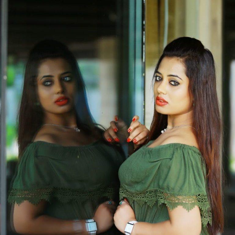 46+ Gorgeous Photos of Remya panicker 88