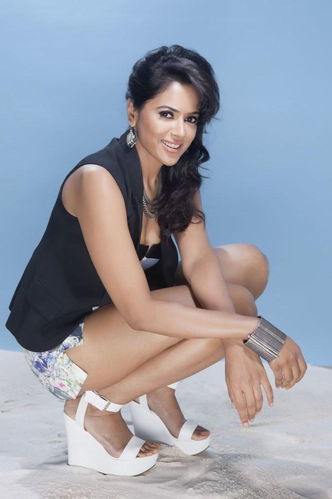 28+ Lovely Photos of Sameera Reddy 25