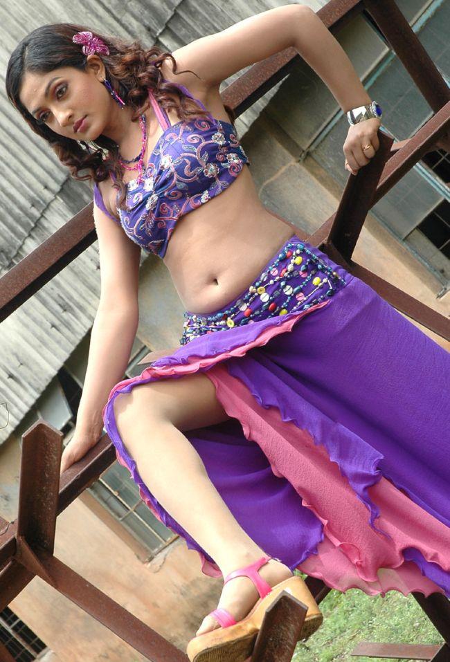 Sheela Kaur Wiki, Age, Biography, Movies, and Beautiful Photos and 97