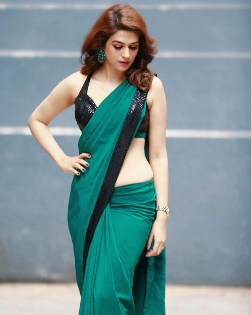 38+ Gorgeous Photos of Shraddha das 3