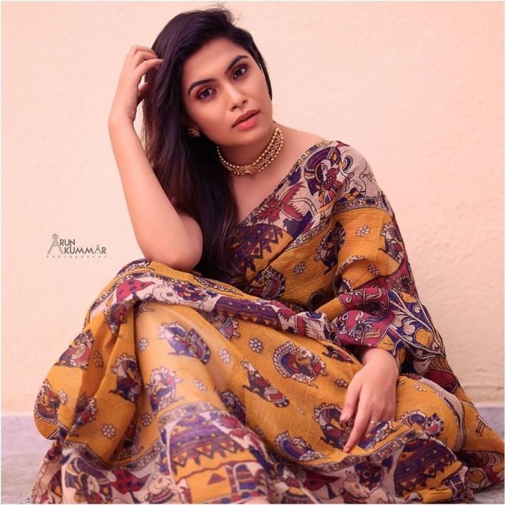 28+ Gorgeous Photos of Sruthi Ramakrishnan 8