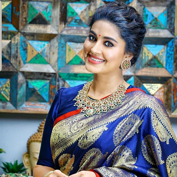 Sneha Prasanna Wiki, Age, Biography, Movies, web series, and Beautiful Photos 17