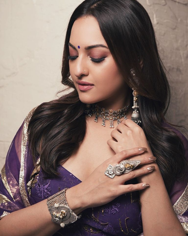 57+ Gorgeous Photos of Sonakshi Sinha 107