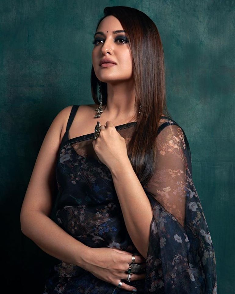 57+ Gorgeous Photos of Sonakshi Sinha 112