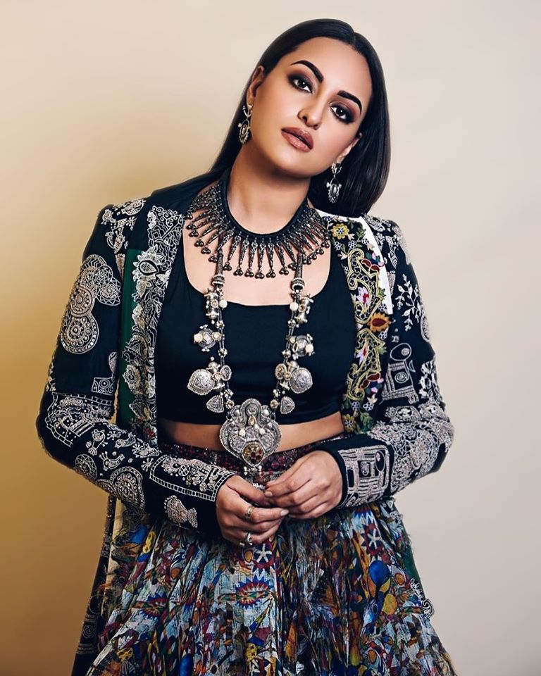 57+ Gorgeous Photos of Sonakshi Sinha 116