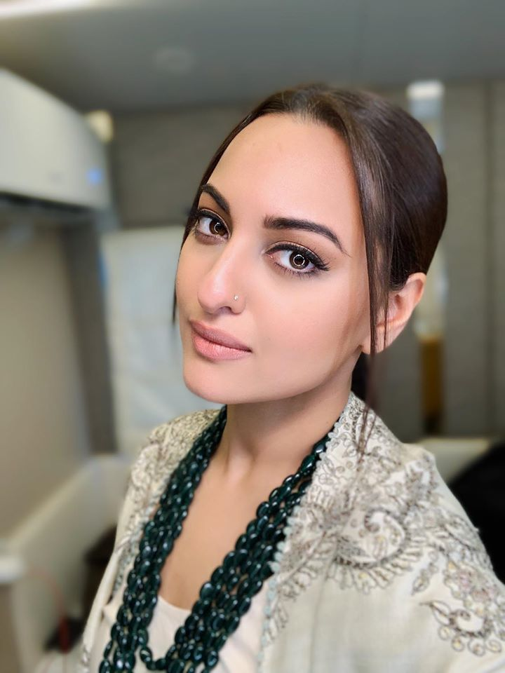 57+ Gorgeous Photos of Sonakshi Sinha 90