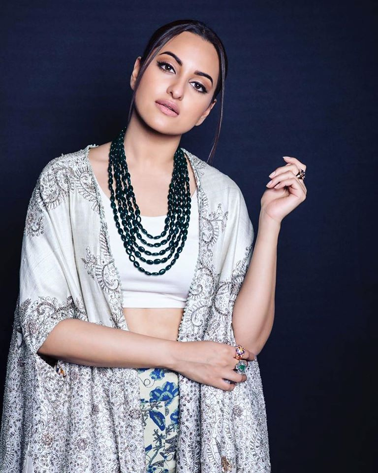 57+ Gorgeous Photos of Sonakshi Sinha 91