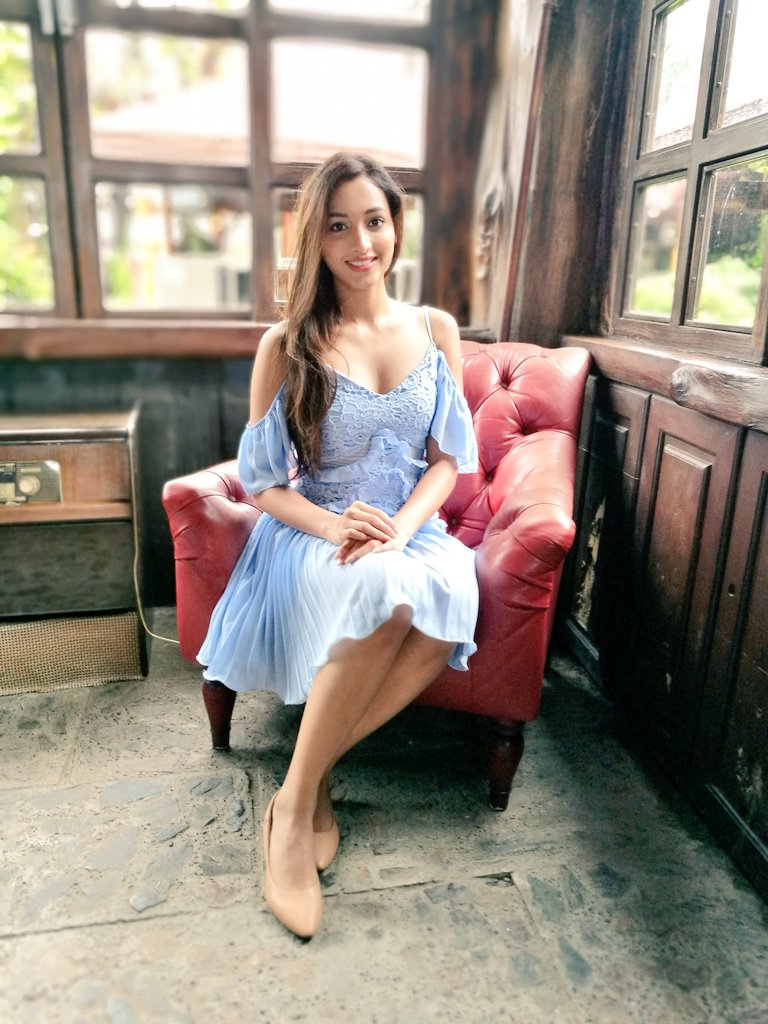 112+ Beautiful photos of Srinidhi Shetty 10