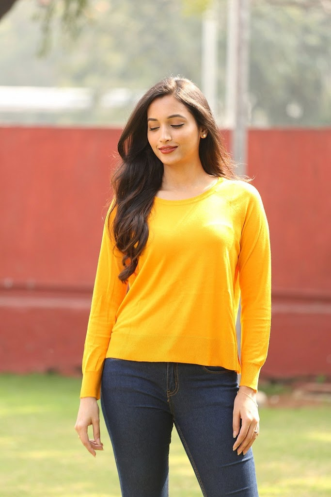 112+ Beautiful photos of Srinidhi Shetty 63