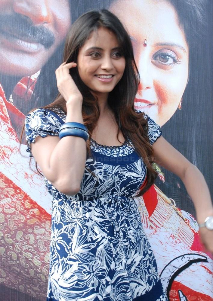 Sunita Varma Beautiful HD Photos 19
