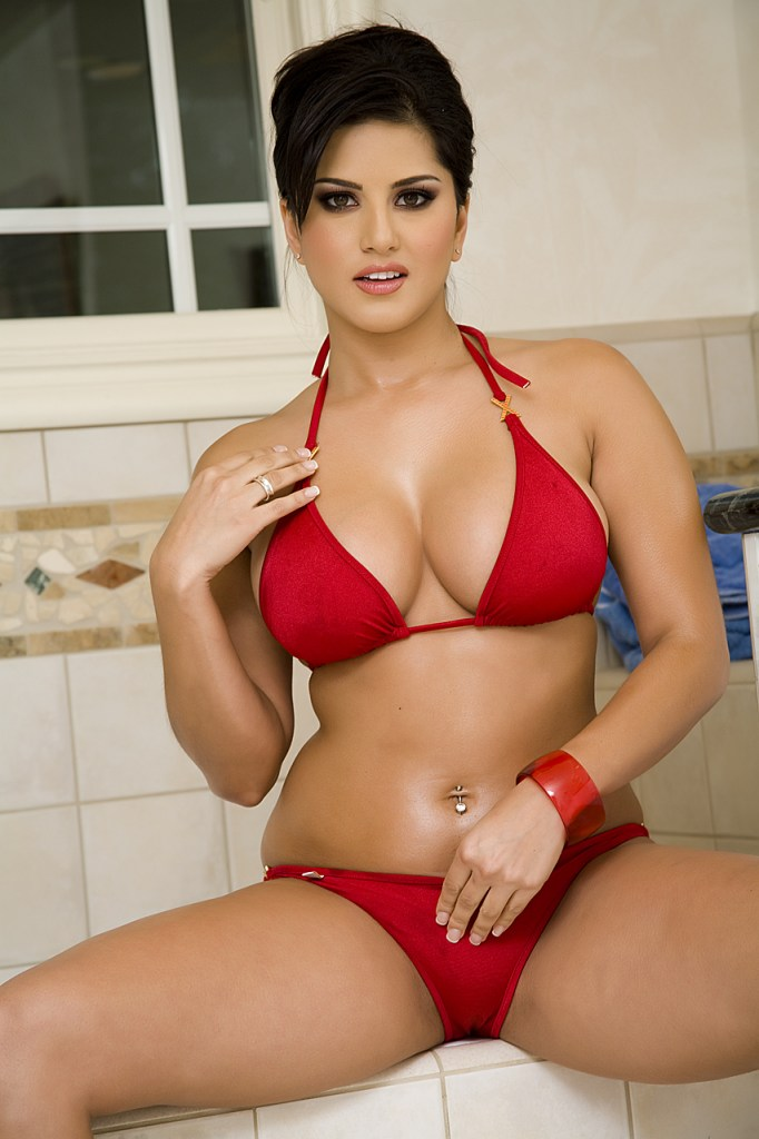 42 HD Photos of Sunny Leone you will Love 25