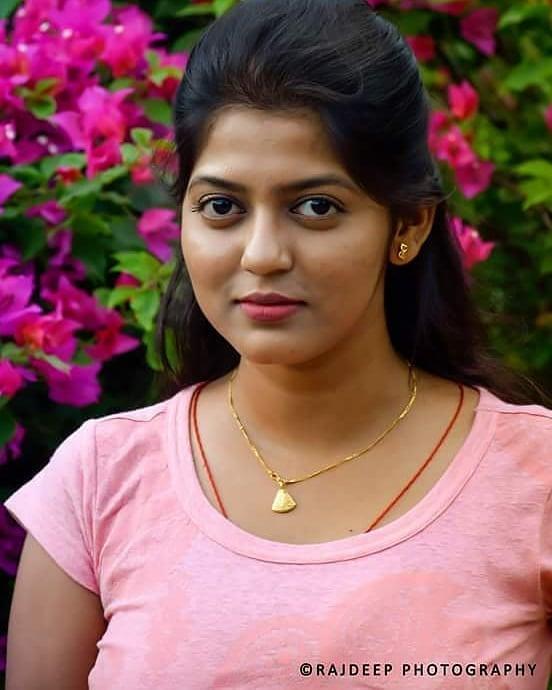 Triya Das 38+ Stunning Photos, Wiki, Age, Biography, and web series 48