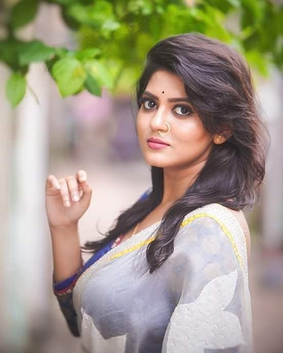 Triya Das 38+ Stunning Photos, Wiki, Age, Biography, and web series 54