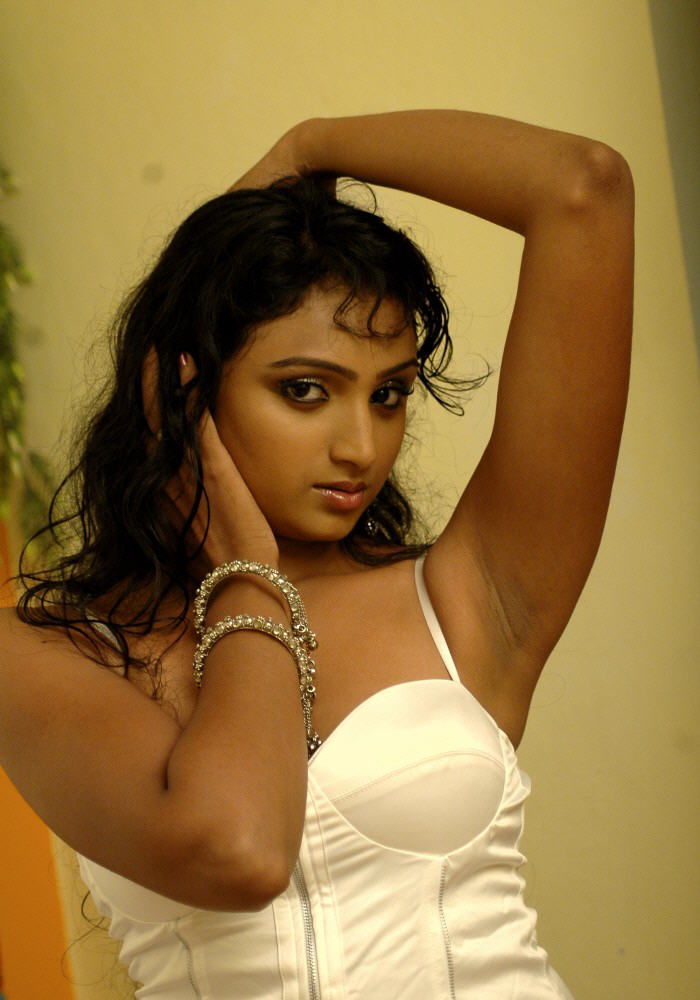 18+ Beautiful Photos of Waheeda 100