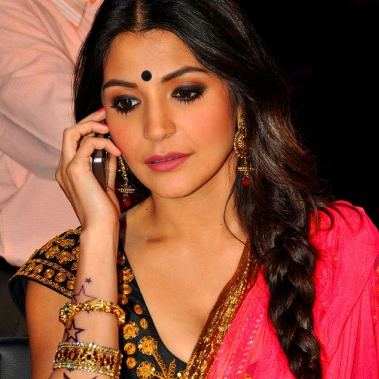51 Beautiful Photos of Anushka Sharma 107