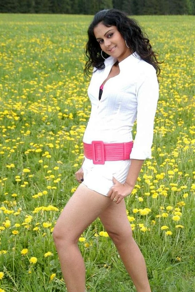 44+ Beautiful photos of Kamna Jethmalani 117
