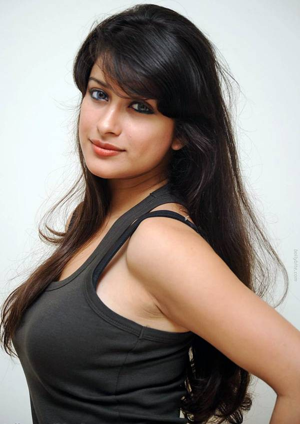 49+ Gorgeous Photos of Nyra Banerjee 105