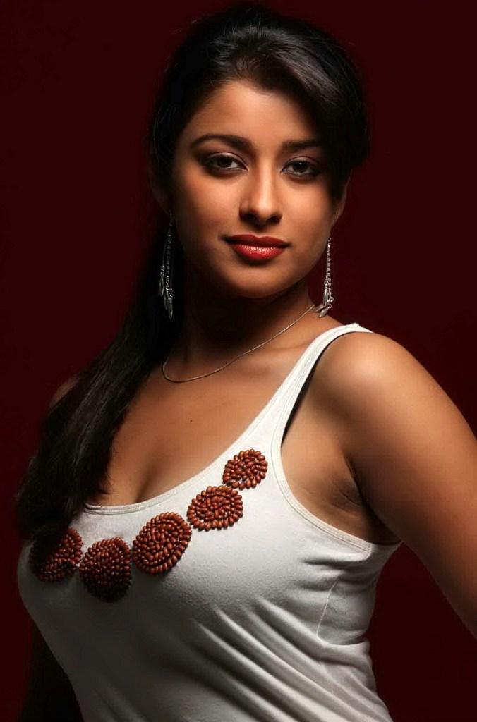 49+ Gorgeous Photos of Nyra Banerjee 133