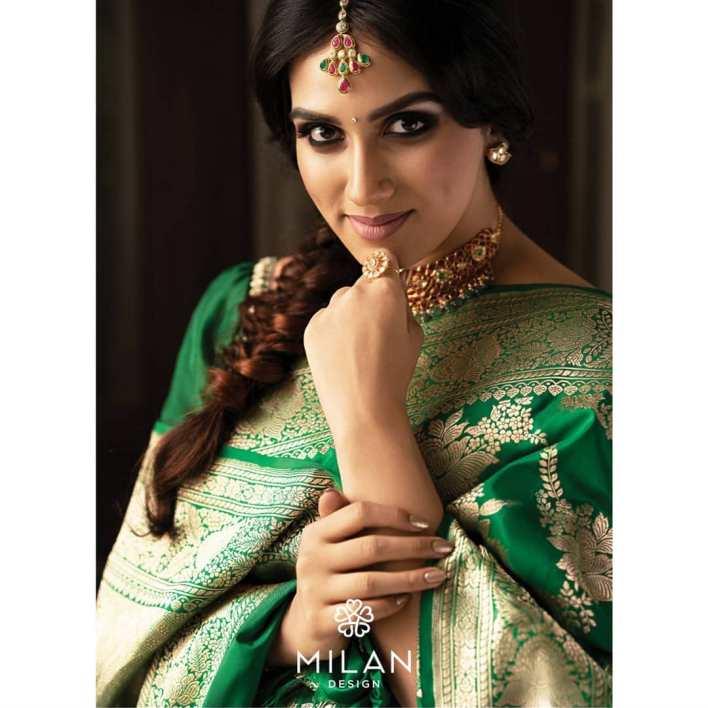 42+ Beautiful Photos of Malavika Jayaram 31