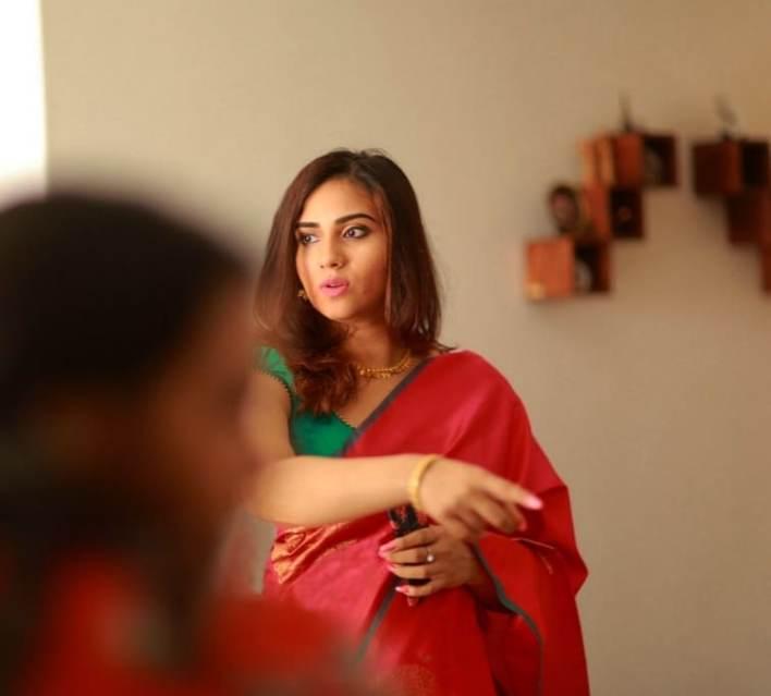 42+ Beautiful Photos of Malavika Jayaram 7