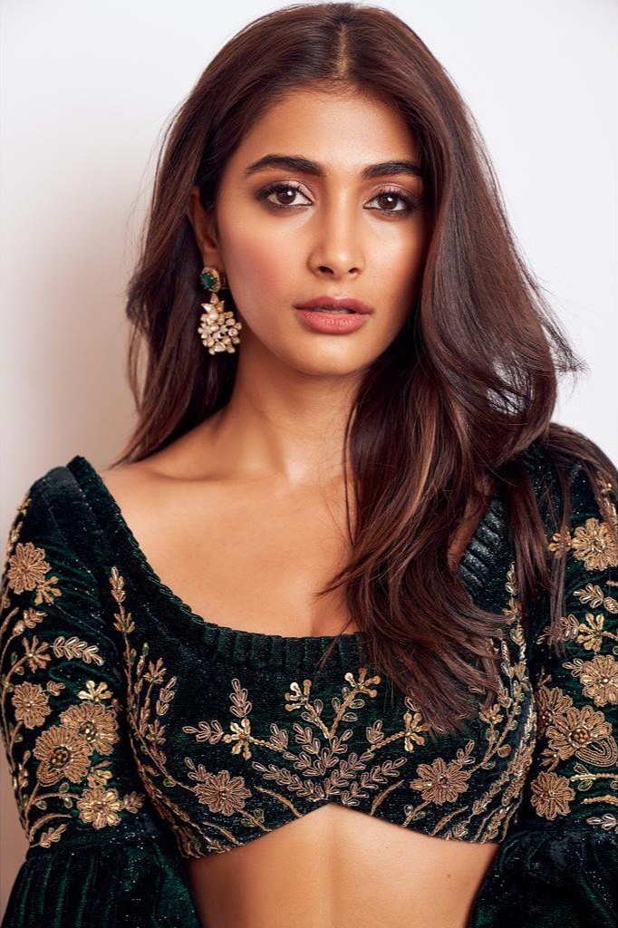 129+ Gorgeous Photos of Pooja Hegde 21