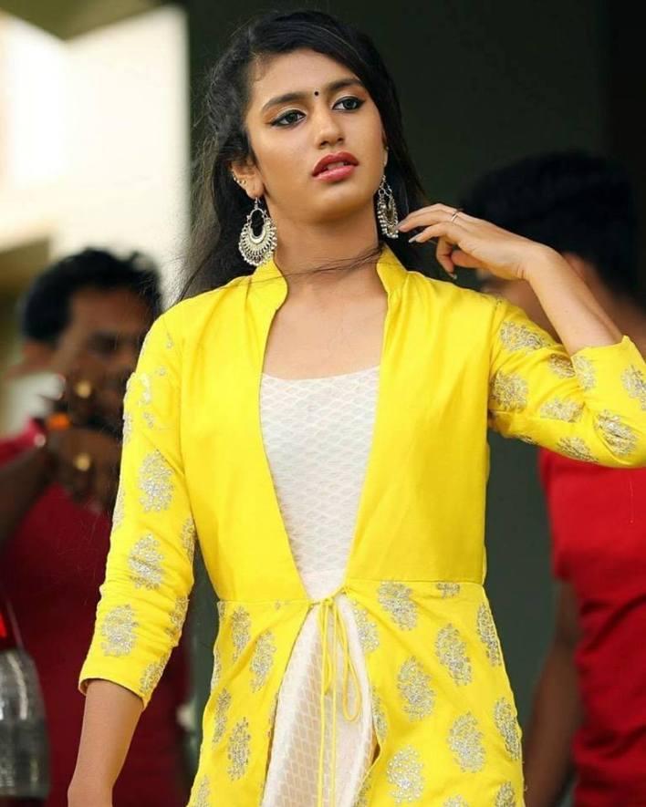 108+ Cute Photos of Priya Prakash Varrier 19