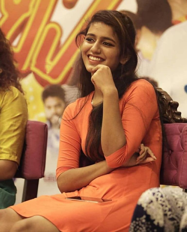 108+ Cute Photos of Priya Prakash Varrier 20
