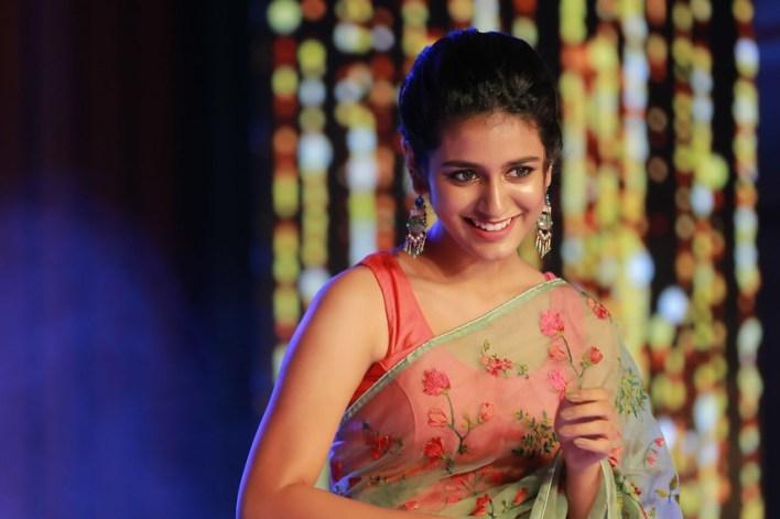 108+ Cute Photos of Priya Prakash Varrier 24