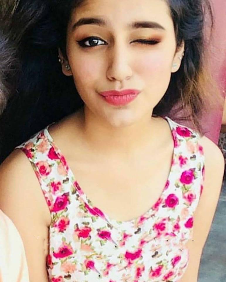 108+ Cute Photos of Priya Prakash Varrier 10