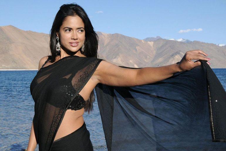 28+ Lovely Photos of Sameera Reddy 95