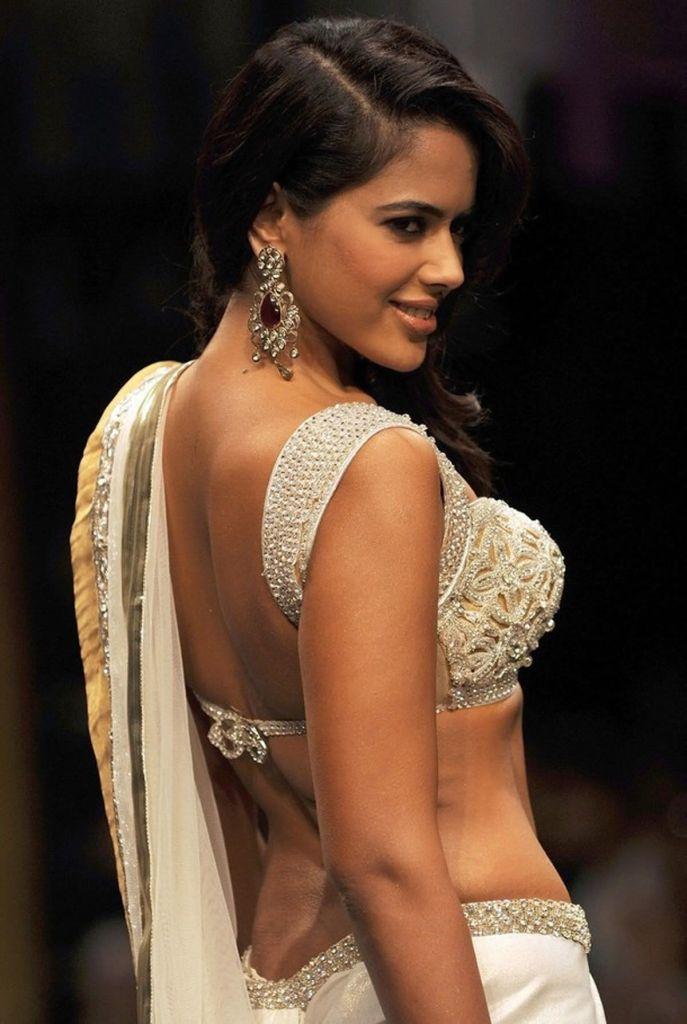 28+ Lovely Photos of Sameera Reddy 13
