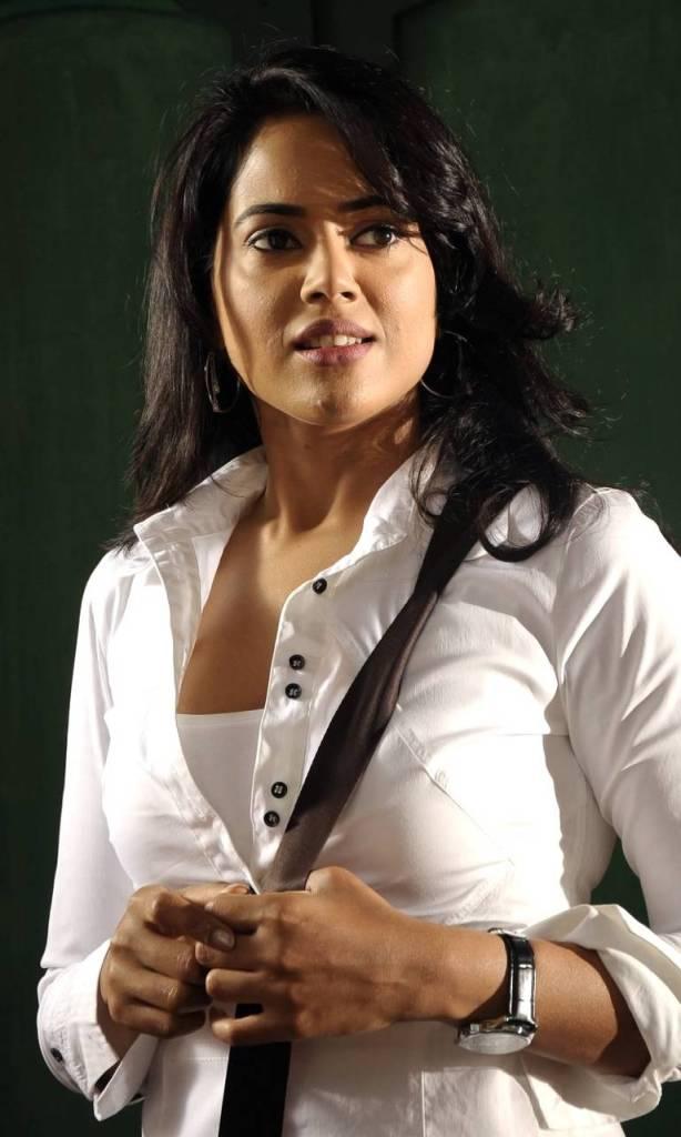 28+ Lovely Photos of Sameera Reddy 22