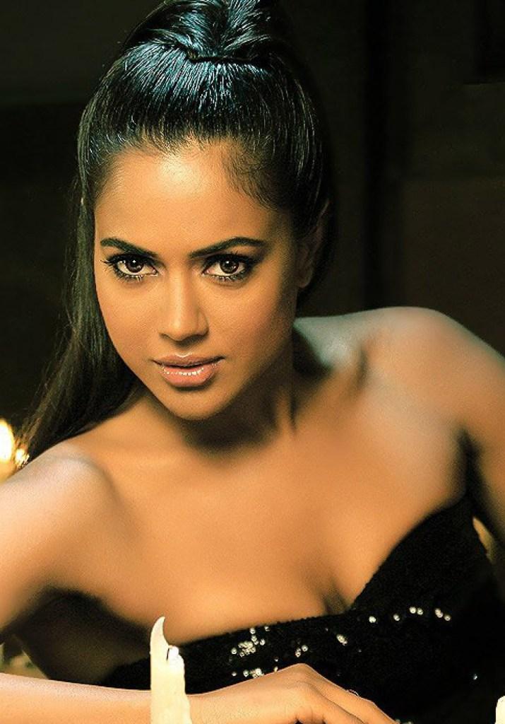 28+ Lovely Photos of Sameera Reddy 24