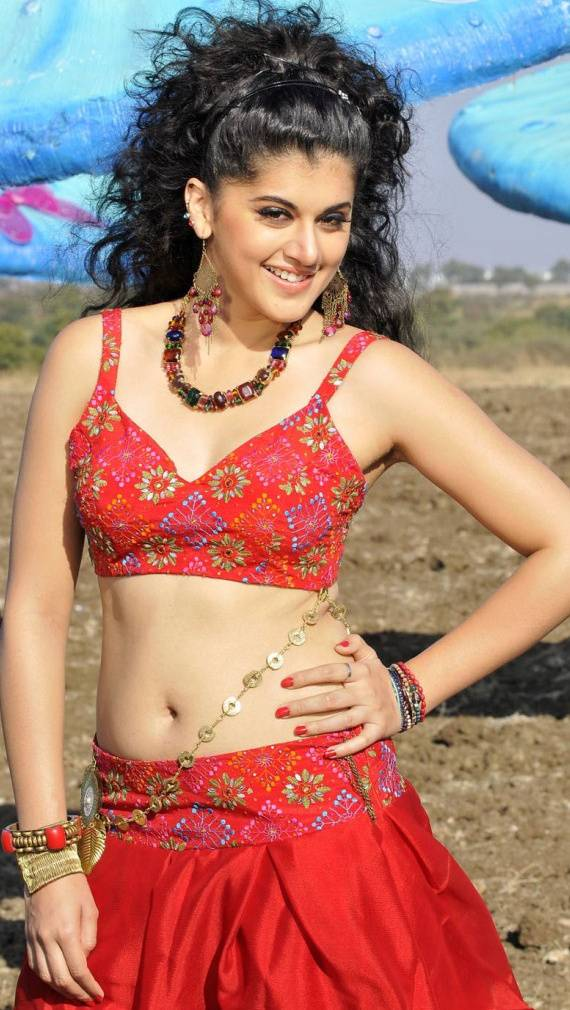 39+ Gorgeous Photos of Taapsee Pannu 13