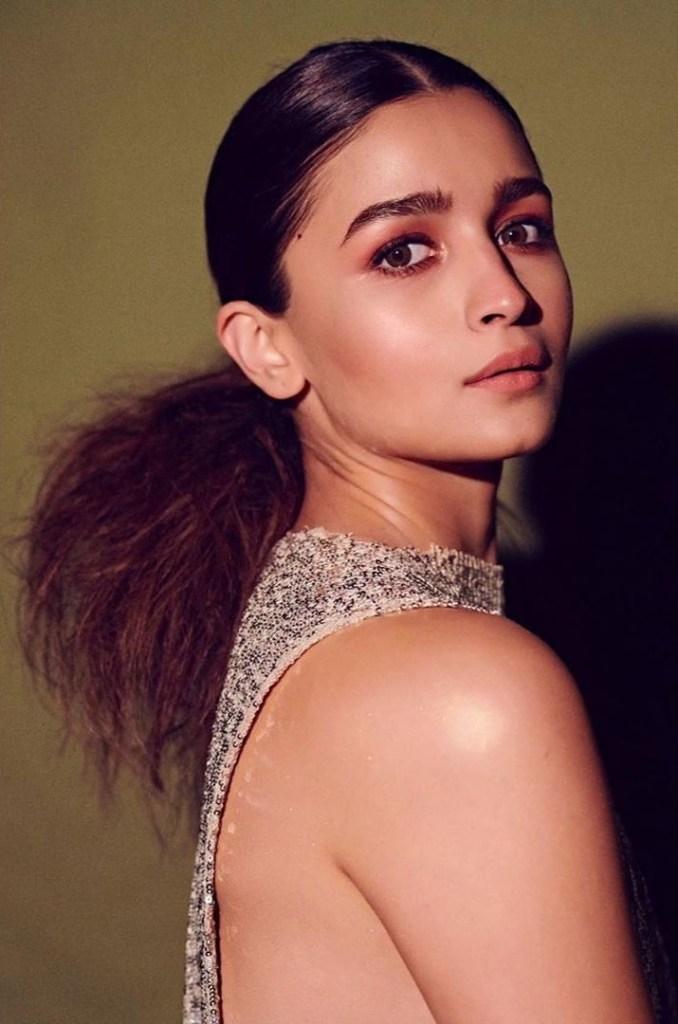 39+ Glamorous Photos of Alia Bhatt 6
