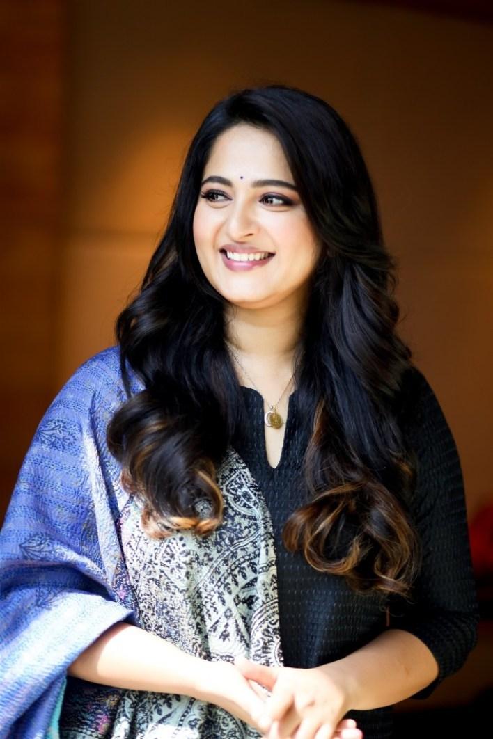 Anushka Shetty Wiki, Biography, Movies, and 126+ Stunning Photos 13