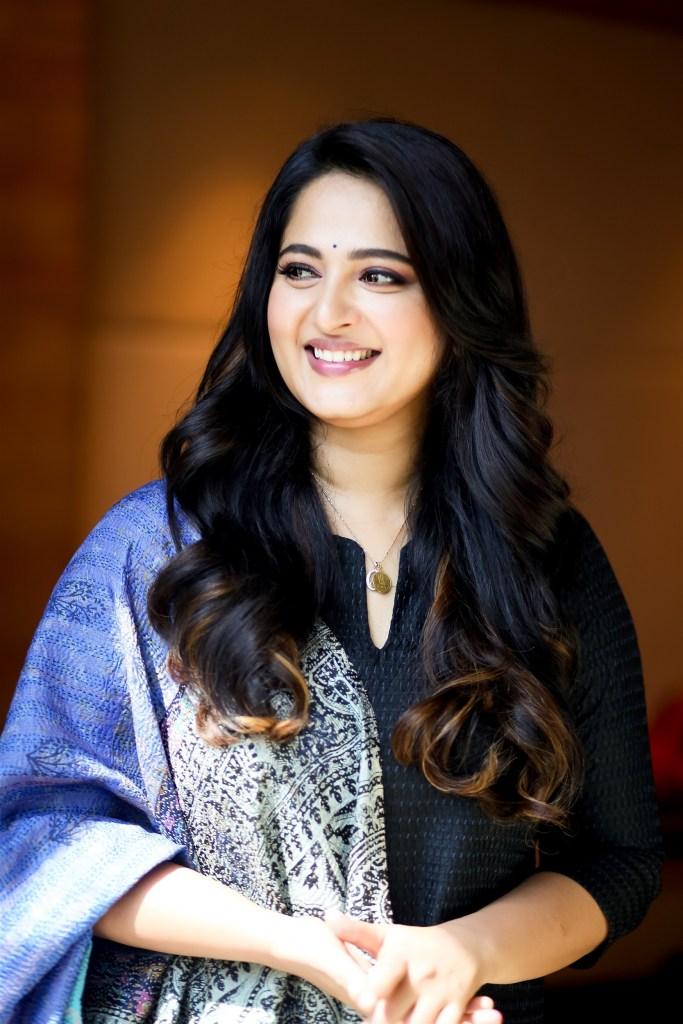 126+ Stunning HD Photos of Anushka Shetty 14
