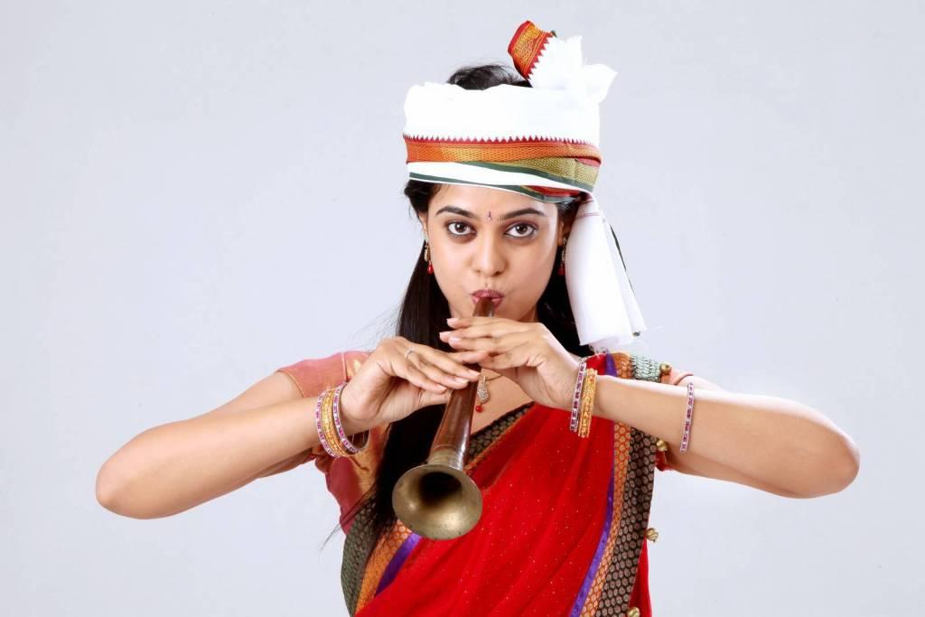 39+ Gorgeous Photos of Bindu Madhavi 30