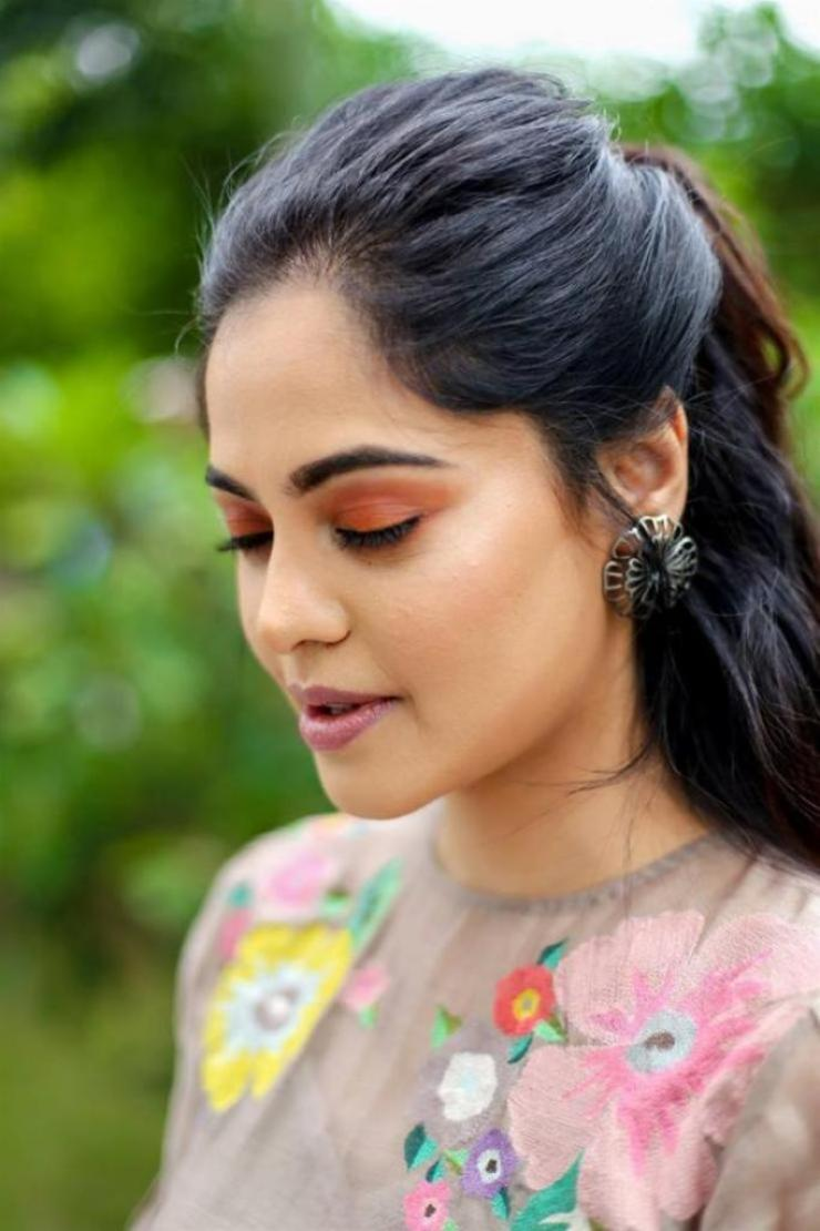 39+ Gorgeous Photos of Bindu Madhavi 34