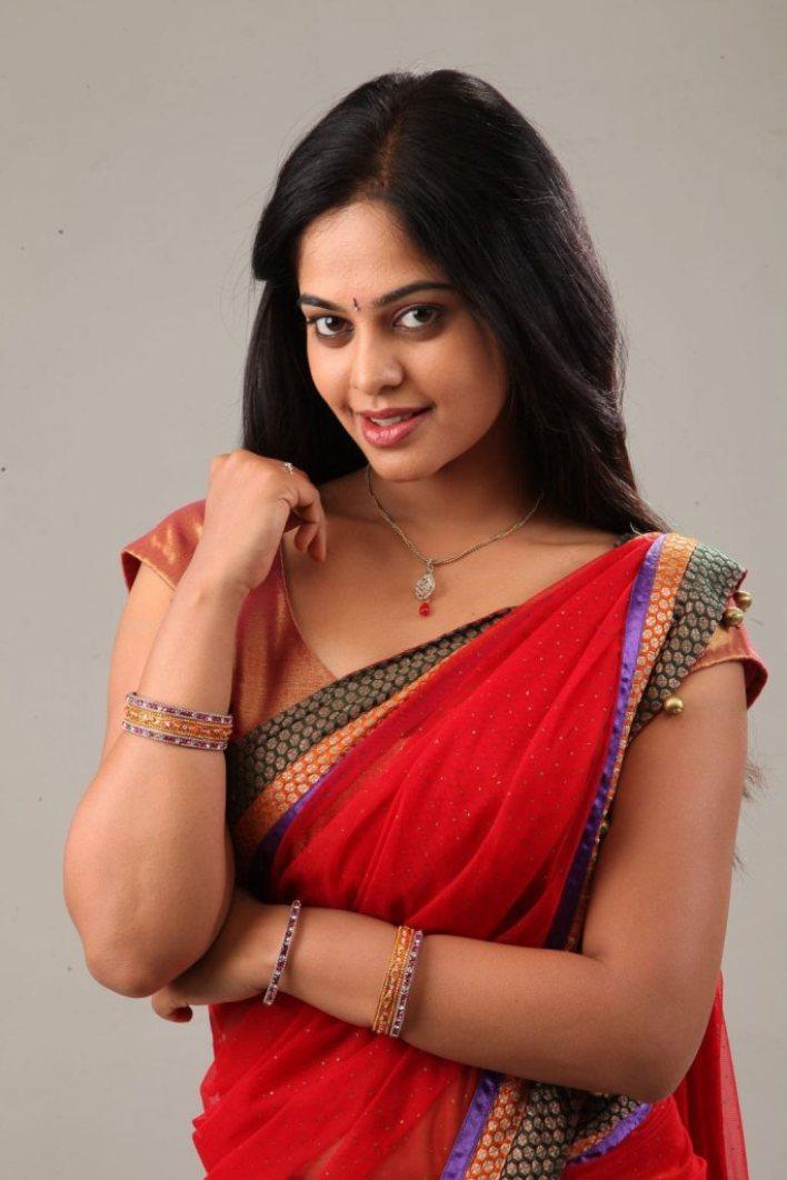 39+ Gorgeous Photos of Bindu Madhavi 38