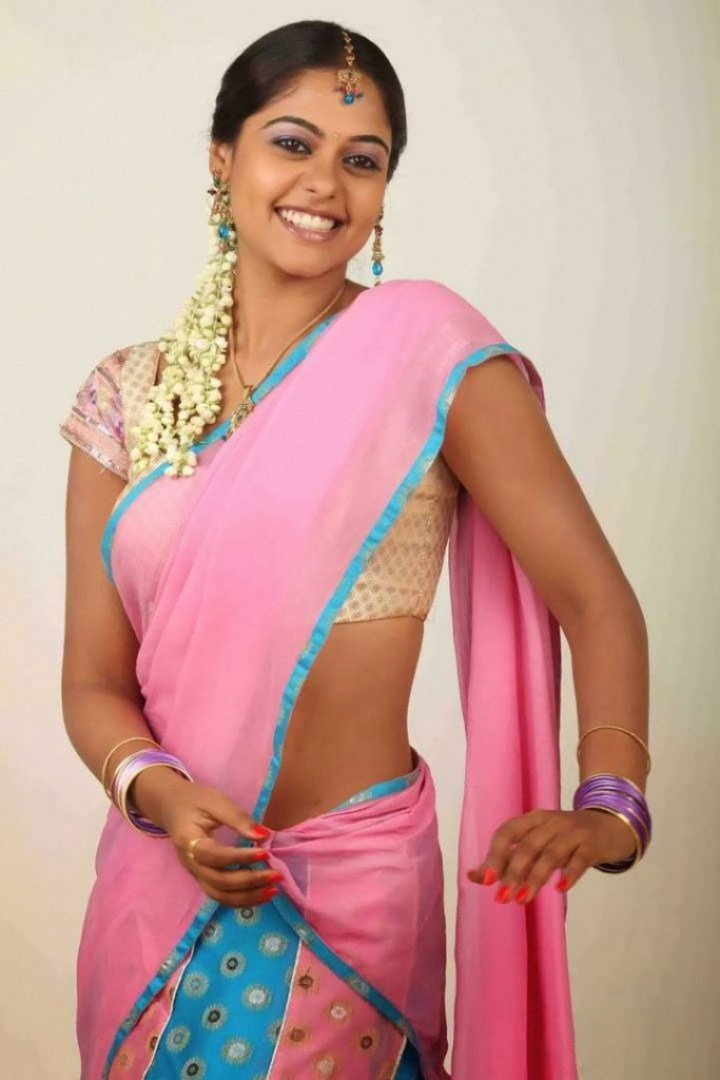39+ Gorgeous Photos of Bindu Madhavi 40