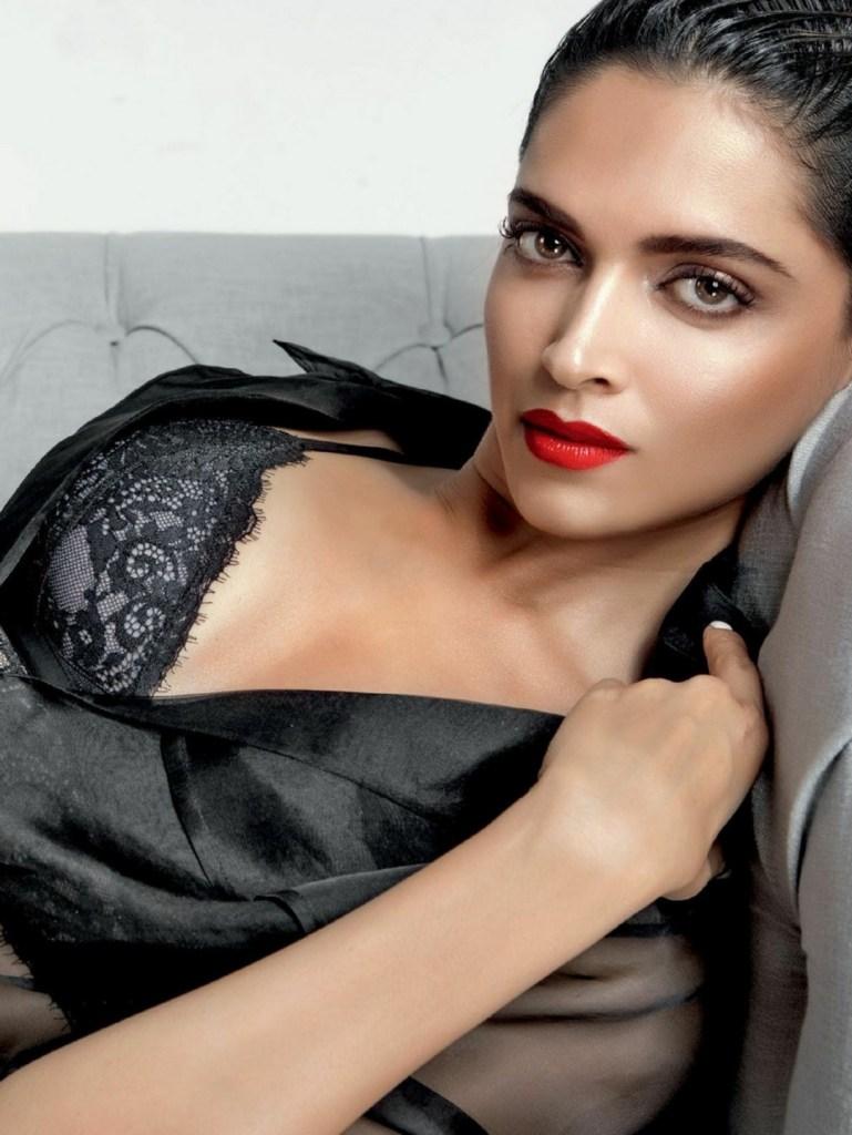 65+ Glamorous Photos of Deepika Padukone 6