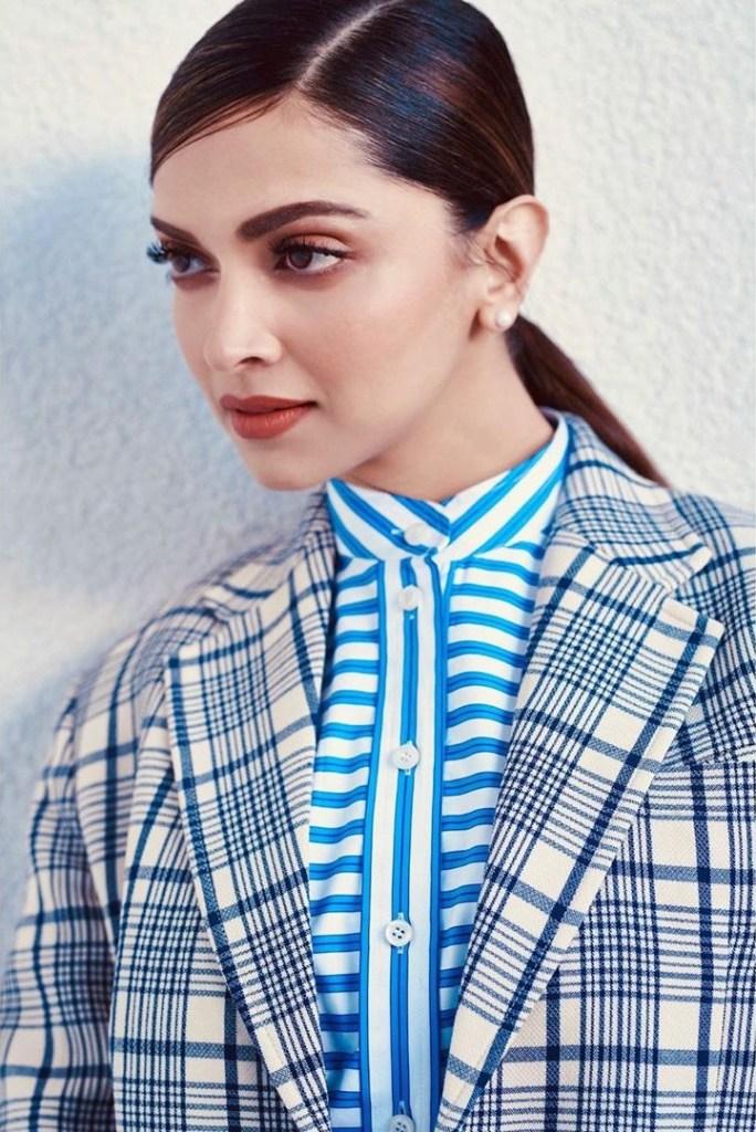 65+ Glamorous Photos of Deepika Padukone 116