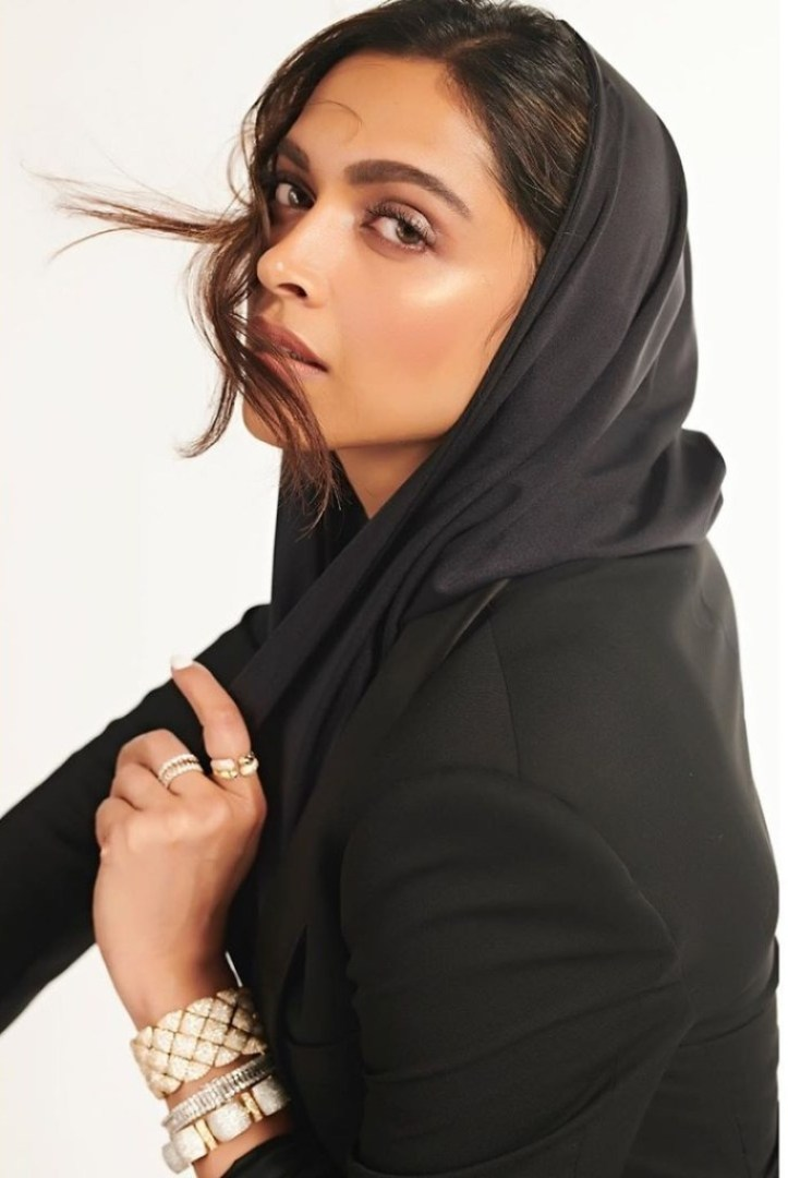 65+ Glamorous Photos of Deepika Padukone 33