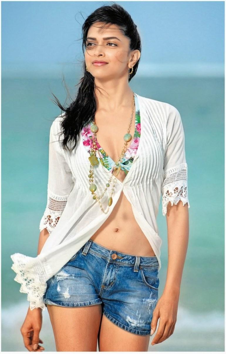 65+ Glamorous Photos of Deepika Padukone 40
