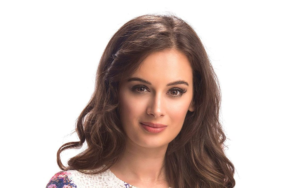 39+ Charming Photos of Evelyn Sharma 5