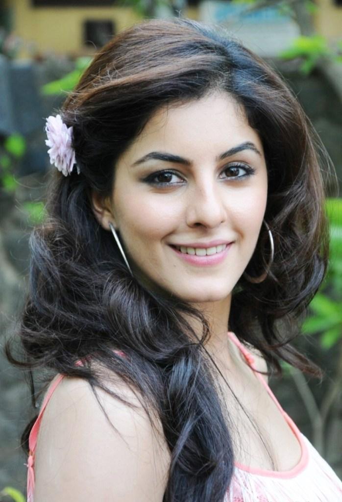 42+ Glamorous Photos of Isha Talwar 9